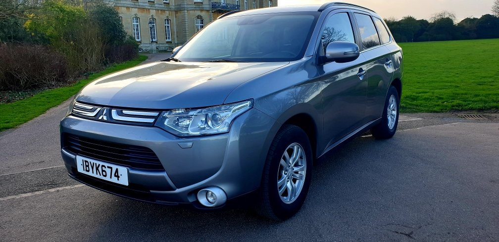 2013 LHD MITSUBISHI OUTLANDER 2.3 DI-D, LEFT HAND DRIVE For Sale (picture 3 of 6)
