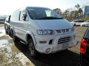 2005 MITSUBISHI DELICA SPACE GEAR 3.0 4X4 LOW MILEAGE 8 SEATER AC