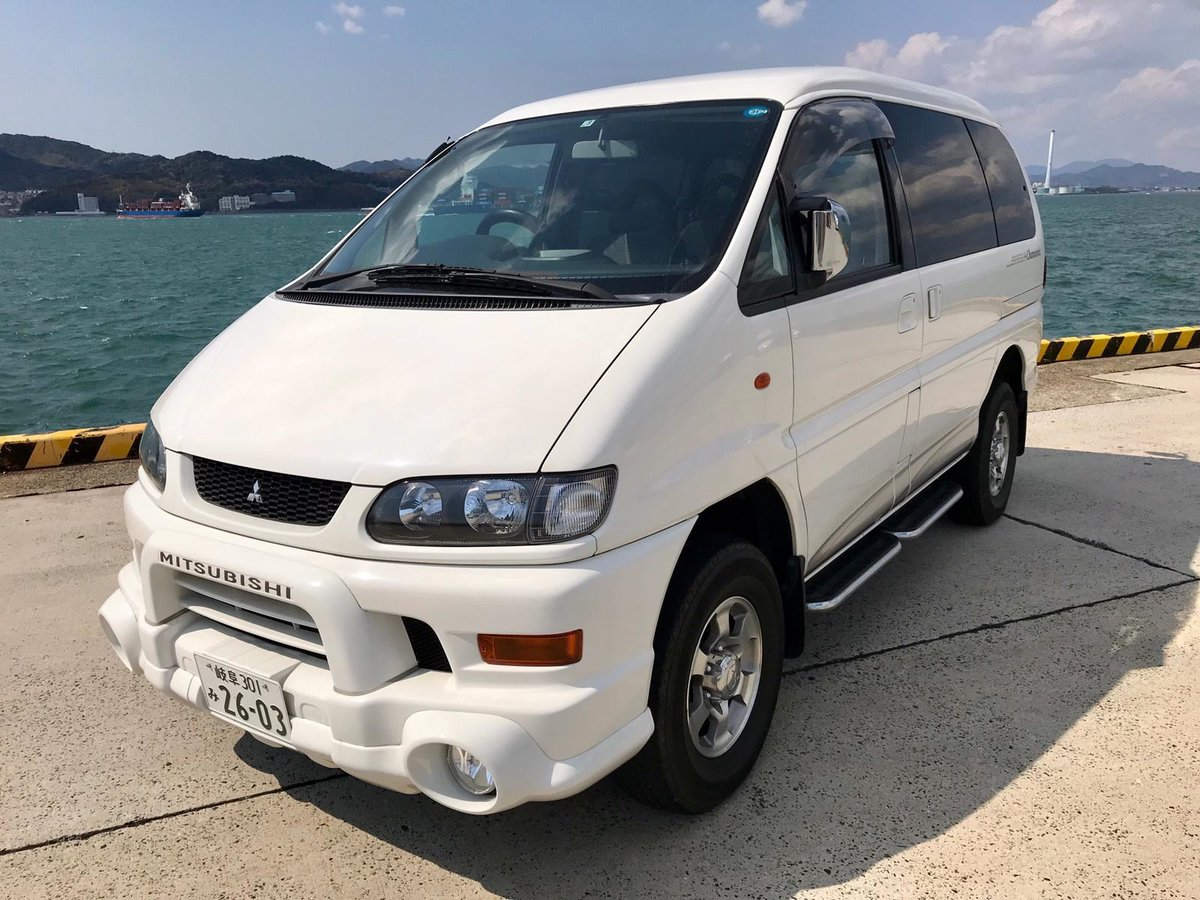 2003 Mitsubishi Delica Chamonix For Sale (picture 1 of 6)