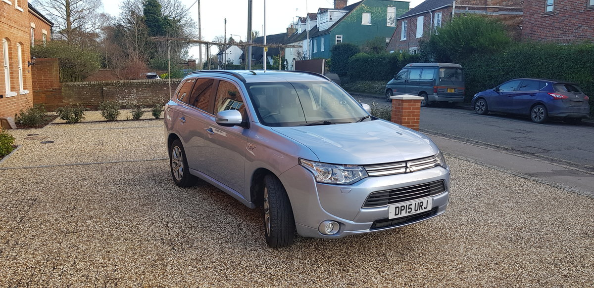 2015 Mitsubishi Outlander PHEV GH4s HYBRID For Sale (picture 3 of 6)