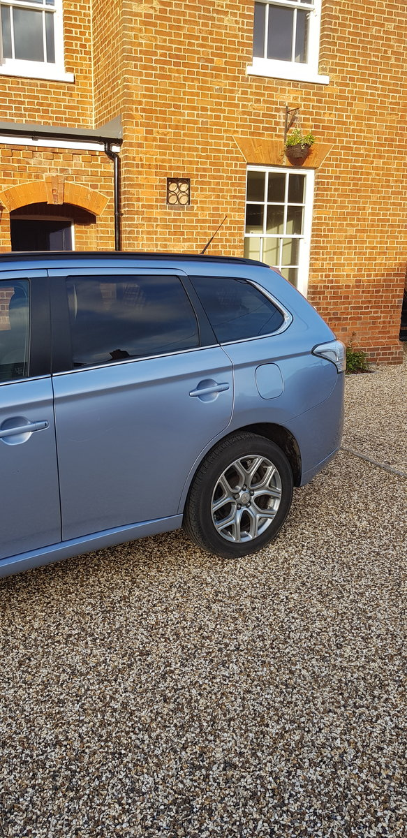 2015 Mitsubishi Outlander PHEV GH4s HYBRID For Sale (picture 4 of 6)