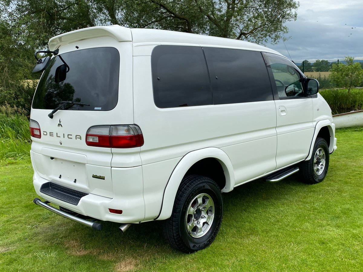 2005 MITSUBISHI DELICA SPACE GEAR 3.0 4X4 LOW MILEAGE 8 SEATER AC SOLD (picture 2 of 6)