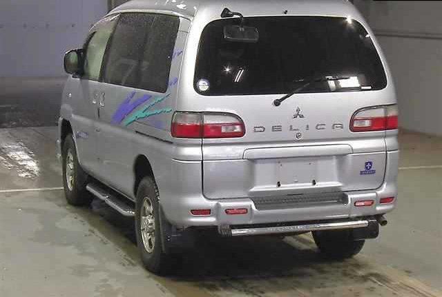 2005 MITSUBISHI DELICA SPACE GEAR 3.0 CHAMONIX 20TH ANNIVERSARY For Sale (picture 2 of 6)