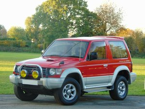 Picture of 1995 Mitsubishi Pajero 2.8 TD Auto.. Low Miles.. Old Skool 4x4.. For Sale