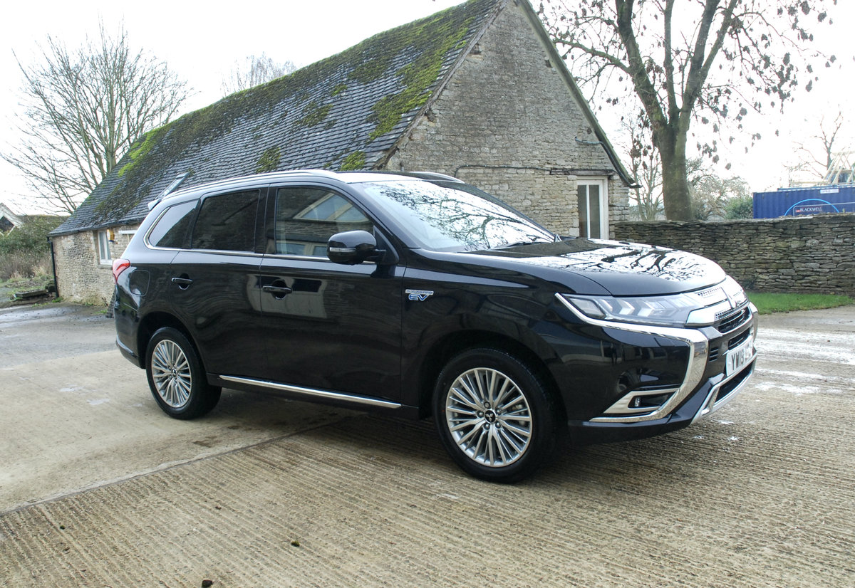 2109 MITSUBISHI OUTLANDER PHEV For Sale (picture 1 of 10)