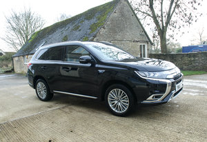 Picture of 2109 MITSUBISHI OUTLANDER PHEV