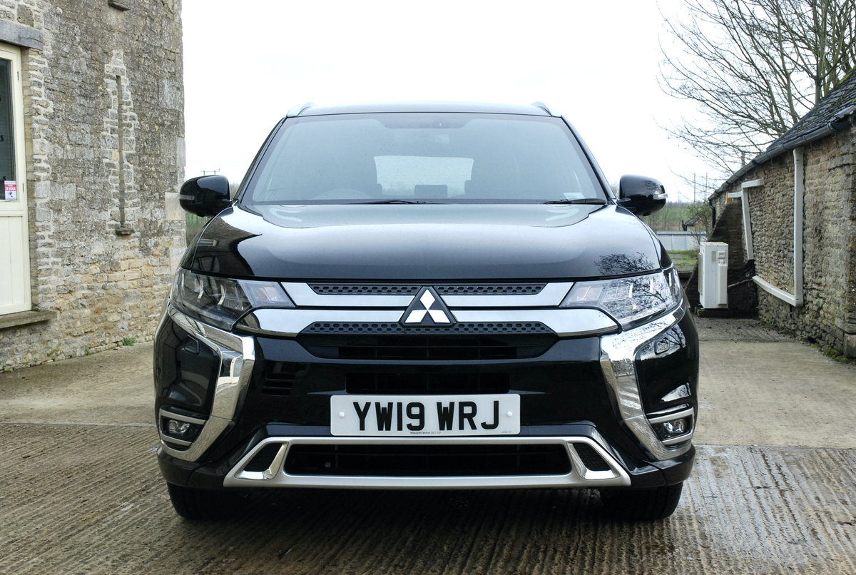 2109 MITSUBISHI OUTLANDER PHEV For Sale (picture 2 of 10)