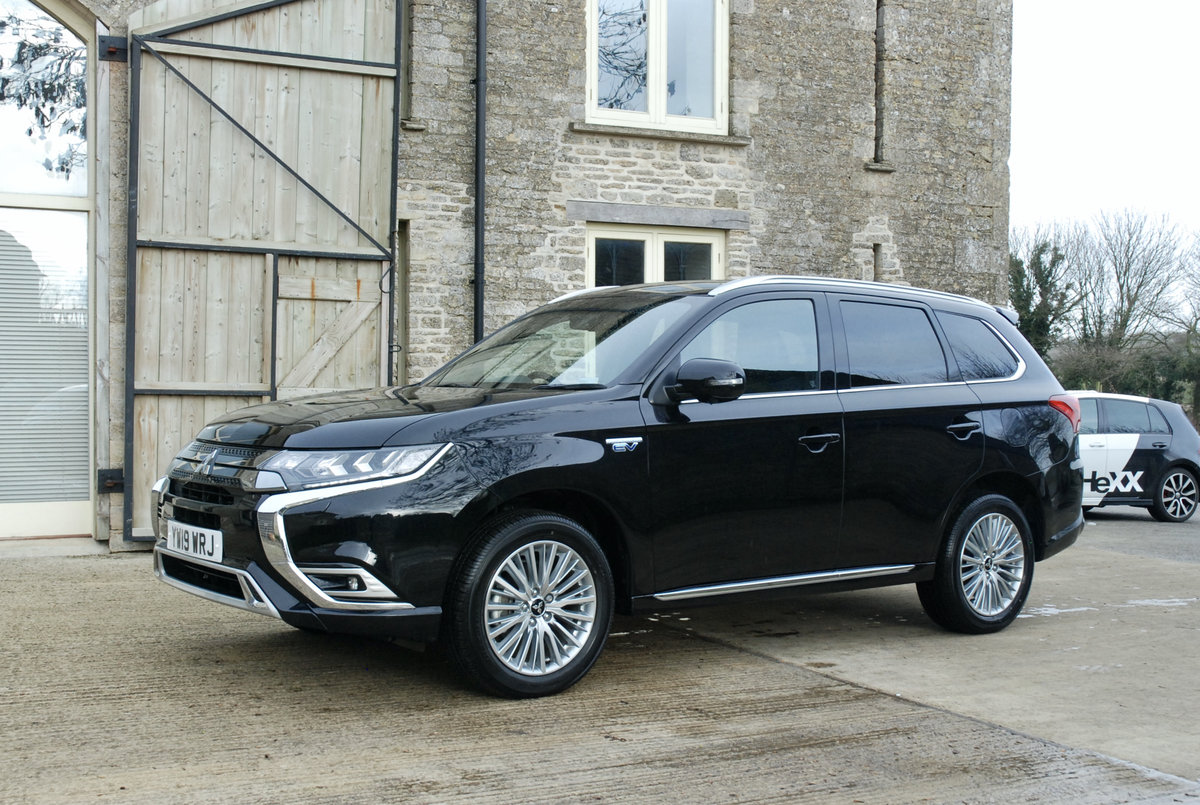 2109 MITSUBISHI OUTLANDER PHEV For Sale (picture 3 of 10)