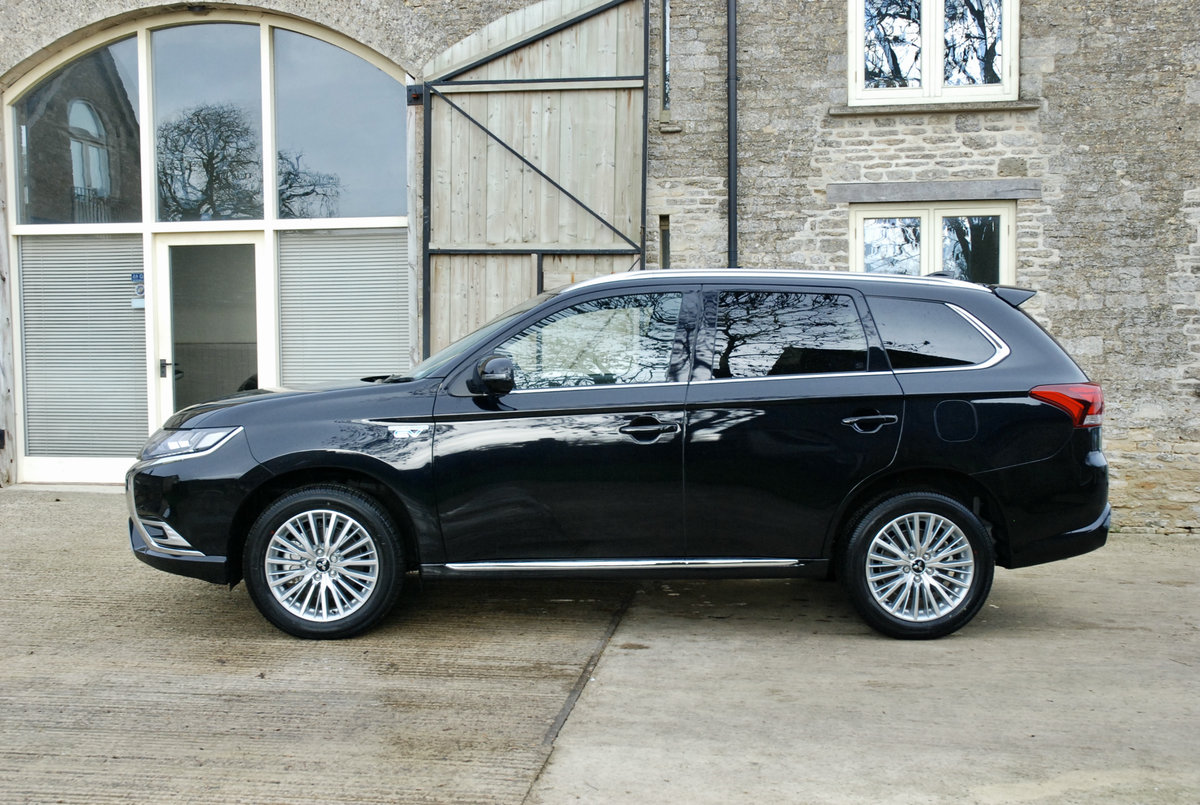 2109 MITSUBISHI OUTLANDER PHEV For Sale (picture 4 of 10)