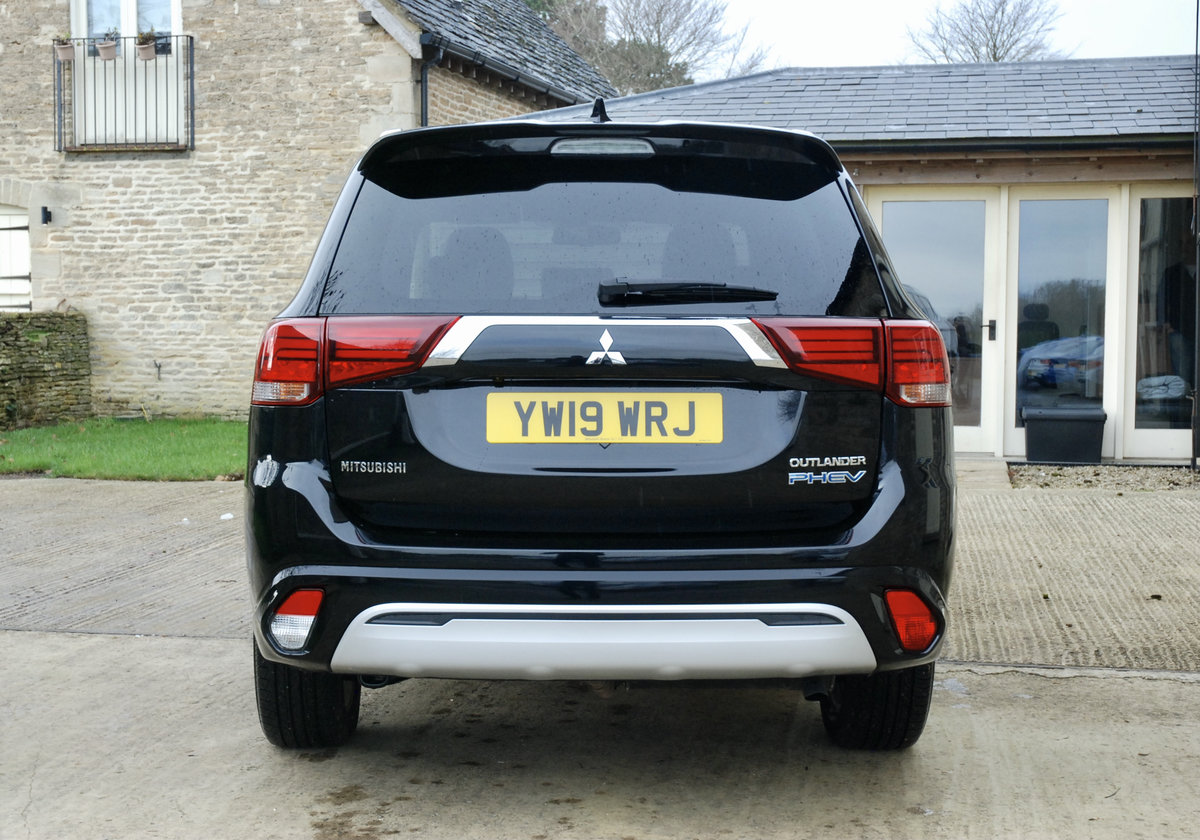 2109 MITSUBISHI OUTLANDER PHEV For Sale (picture 6 of 10)