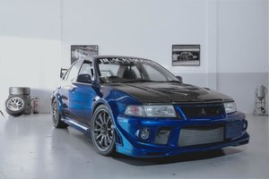 Super clean this roadlegal EVO6 Trackdaycar.