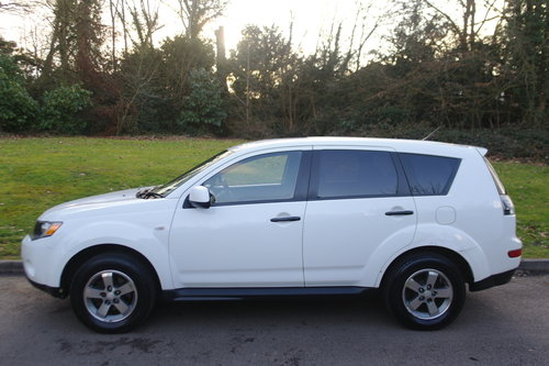 2009 Mitsubishi Outlander Equippe. 2.0 Diesel Turbo. 4x4. Bargain SOLD (picture 2 of 6)