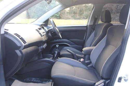 2009 Mitsubishi Outlander Equippe. 2.0 Diesel Turbo. 4x4. Bargain SOLD (picture 3 of 6)