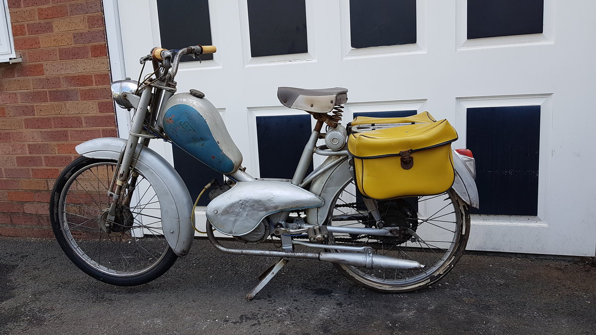 1960 VINTAGE FRENCH AZURETTE MOPED LIGHT RESTORE For Sale (picture 1 of 6)