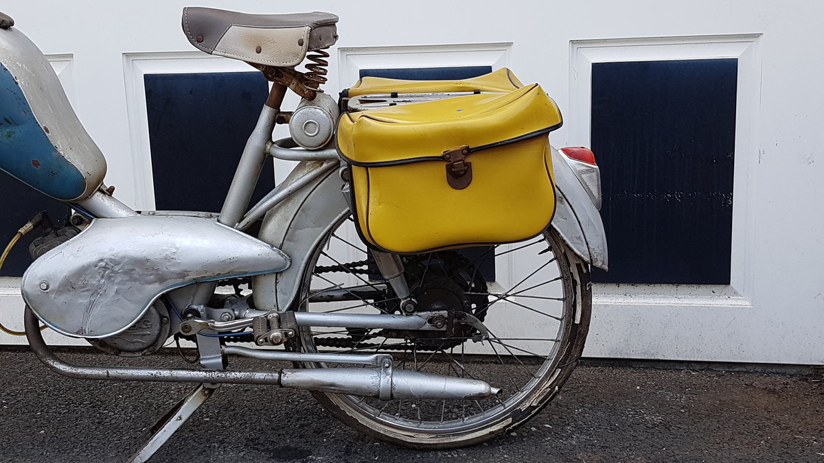 1960 VINTAGE FRENCH AZURETTE MOPED LIGHT RESTORE For Sale (picture 2 of 6)