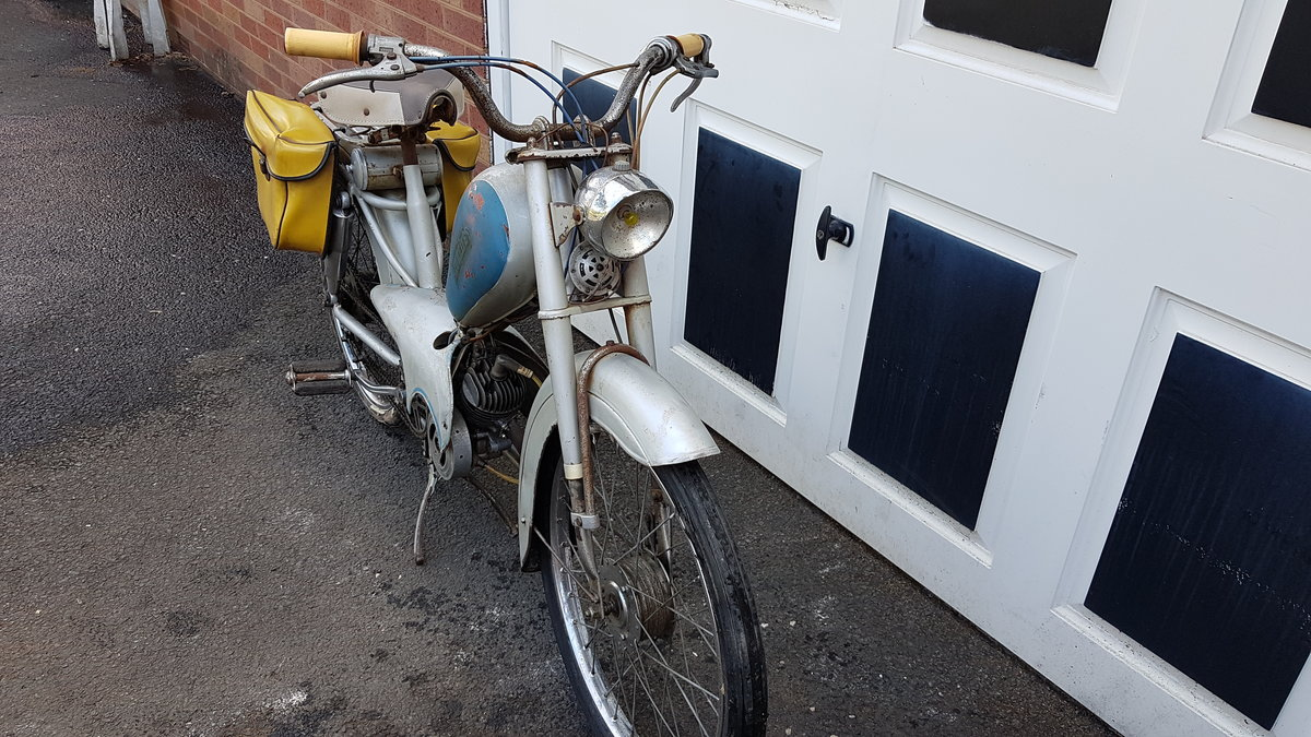 1960 VINTAGE FRENCH AZURETTE MOPED LIGHT RESTORE For Sale (picture 3 of 6)