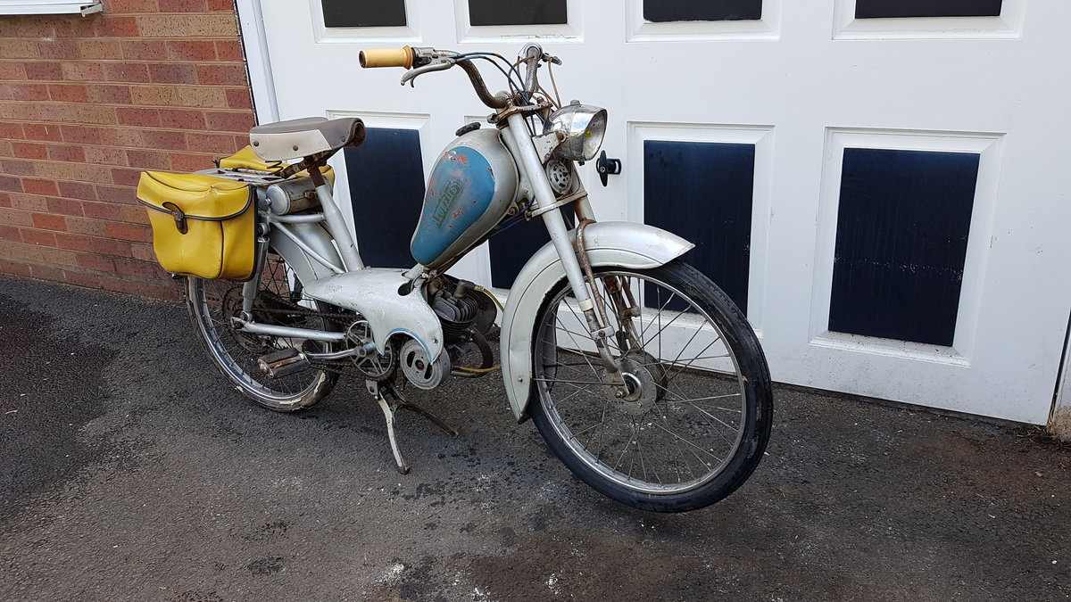 1960 VINTAGE FRENCH AZURETTE MOPED LIGHT RESTORE For Sale (picture 4 of 6)