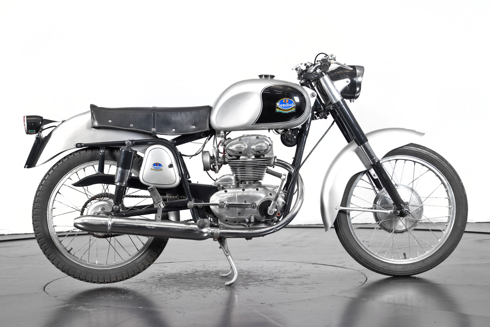 MONDIAL - 200 - 1954 For Sale (picture 2 of 6)