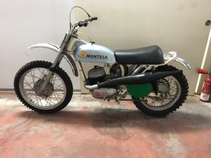 Picture of 1971 Montesa cappra mx 250 well preserved