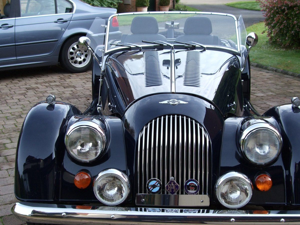 2001 Morgan Plus 8 SOLD (picture 1 of 5)