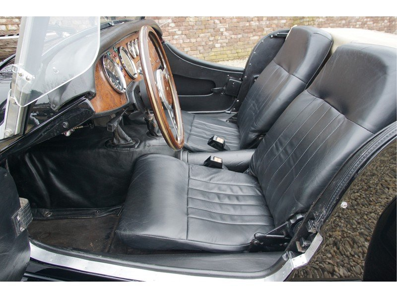 1979 Morgan Plus 8 3.5 factory 5-speed, only 41.042 km, carburett For Sale (picture 3 of 6)