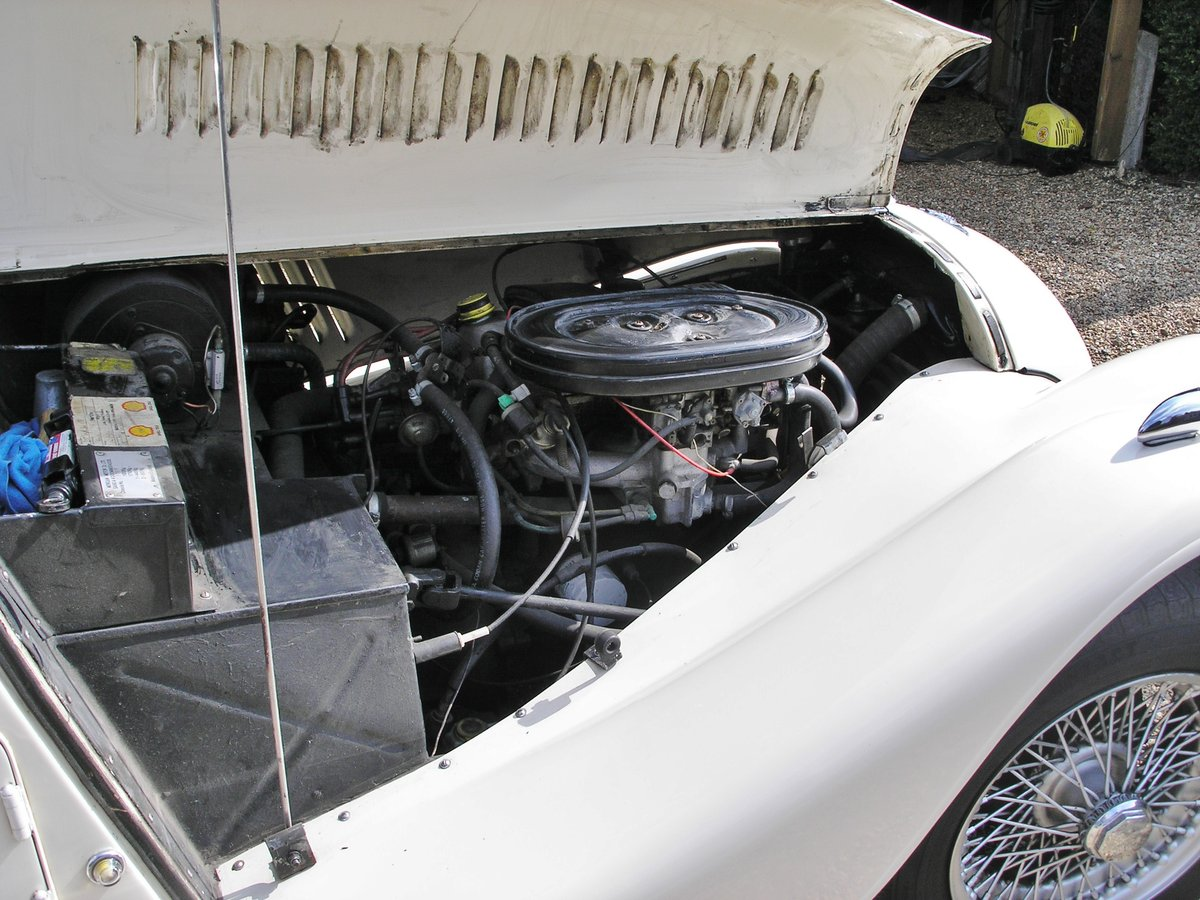 1990 Morgan 4/4 in Royal Ivory For Sale (picture 5 of 6)