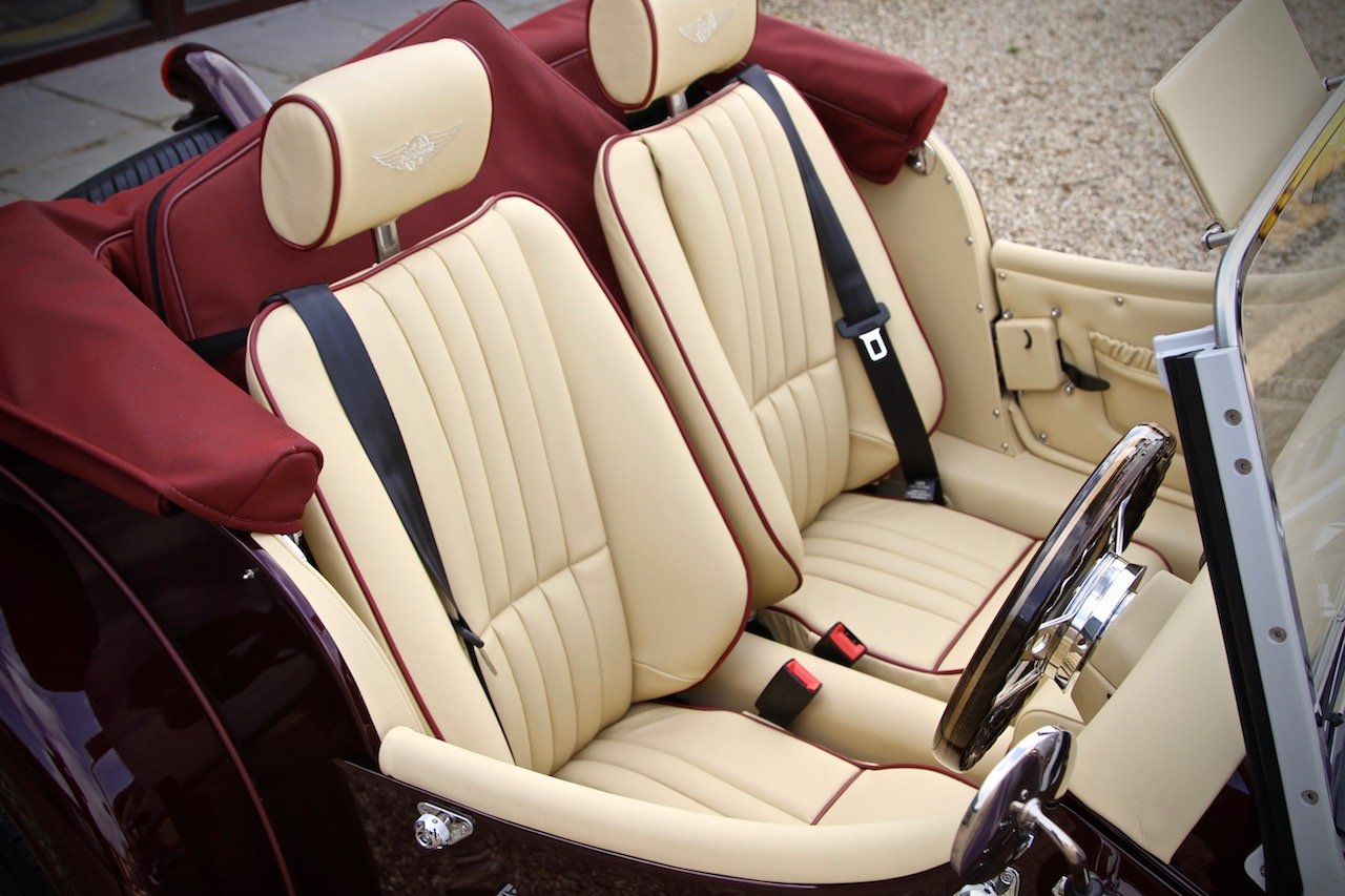 2019 NEW Morgan Plus 4 110, Bentley Velvet Red / Magnolia Leather For Sale (picture 5 of 6)
