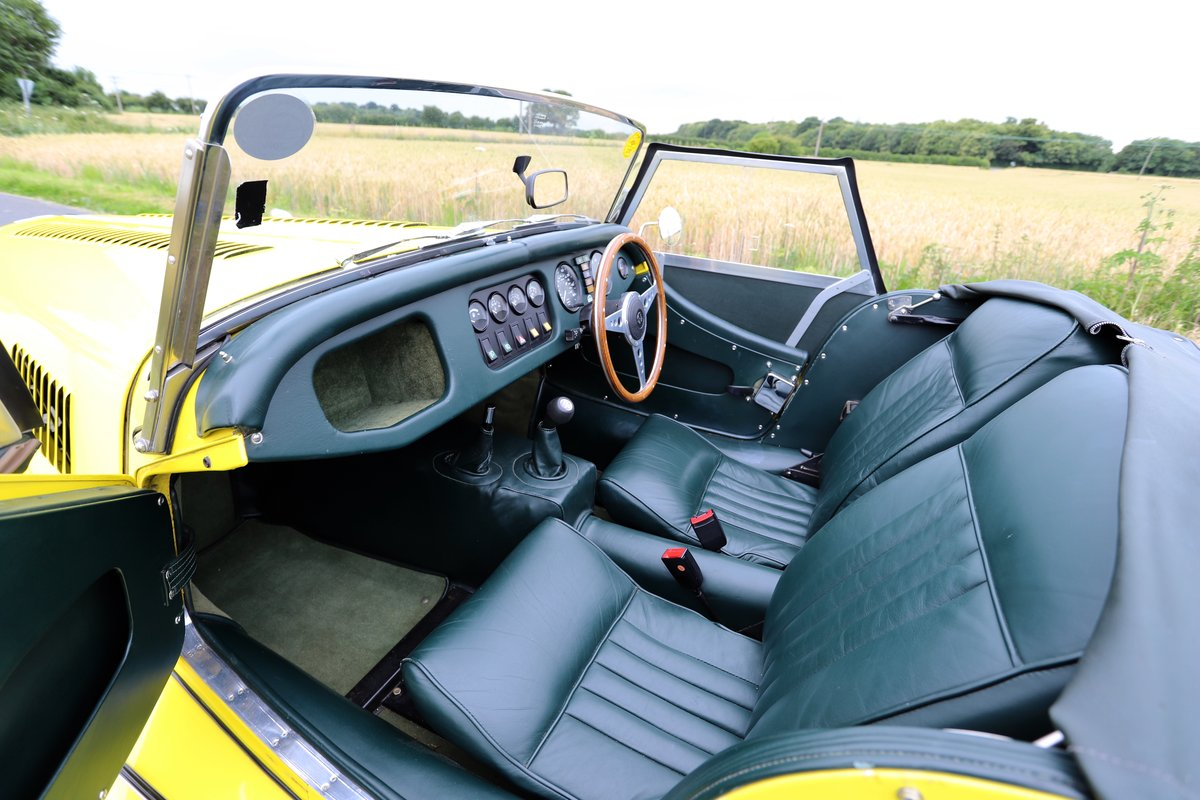 Morgan Plus 8 3.9, 1991. Fantastic example in Canary Yellow  For Sale (picture 4 of 6)