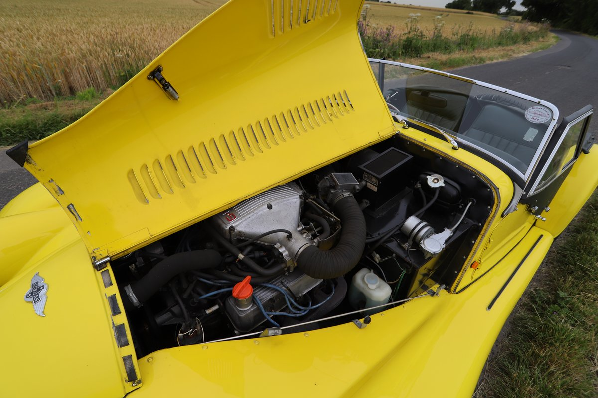 Morgan Plus 8 3.9, 1991. Fantastic example in Canary Yellow  For Sale (picture 6 of 6)