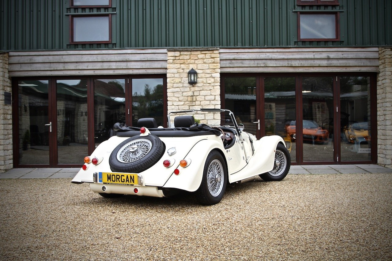 2015 Morgan 4/4 1.6, Classic Ivory over Black Leather For Sale (picture 3 of 6)