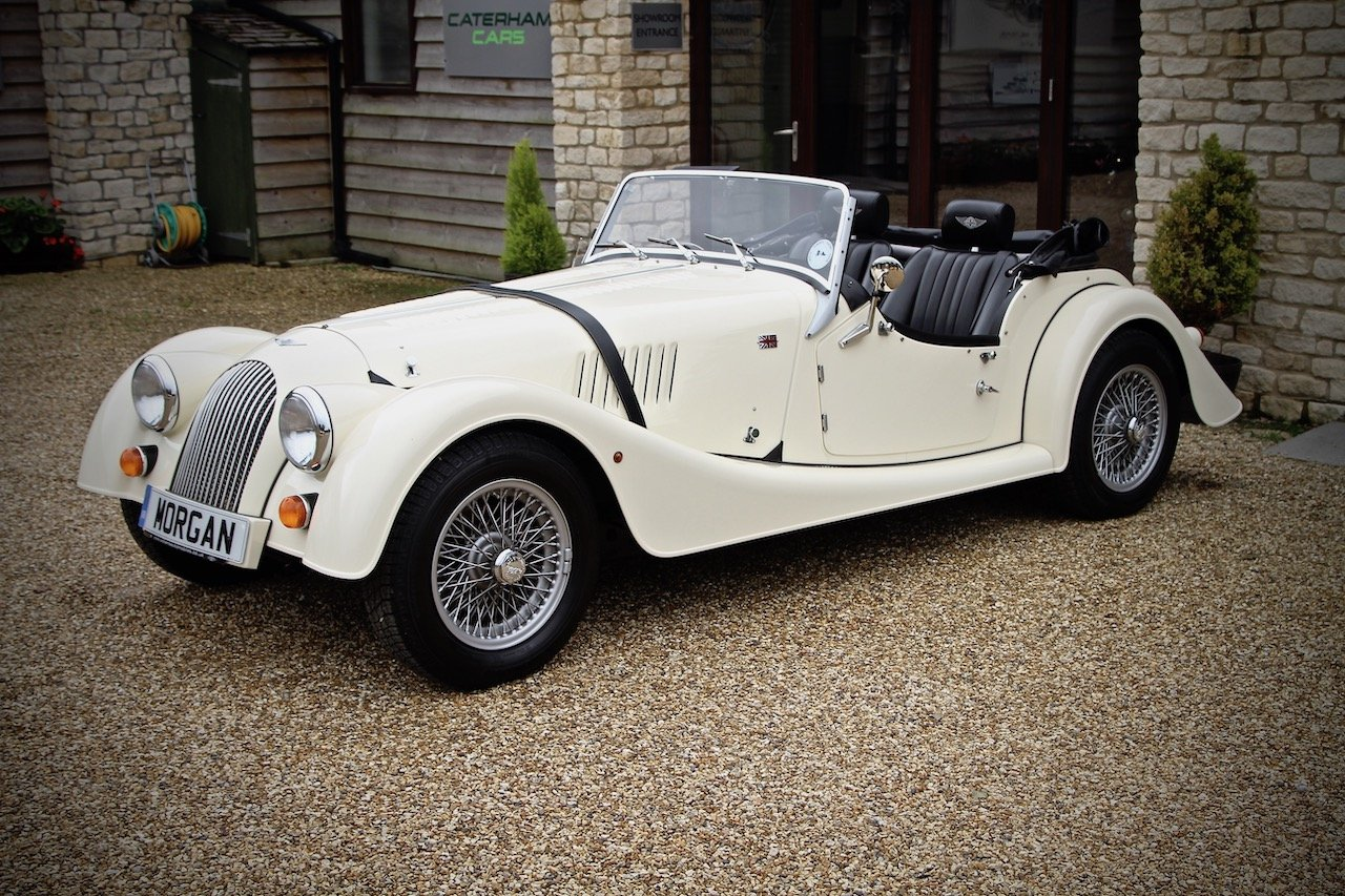 2015 Morgan 4/4 1.6, Classic Ivory over Black Leather For Sale (picture 6 of 6)