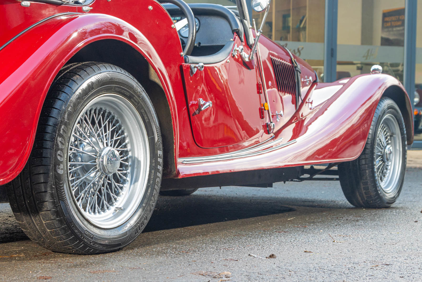 1991 Morgan Plus 4 4 seater For Sale (picture 2 of 6)