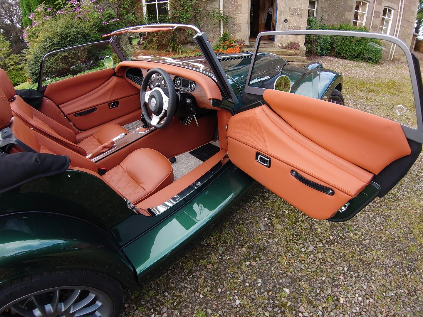 2020 Morgan Plus Six Launch Edition For Sale (picture 3 of 6)