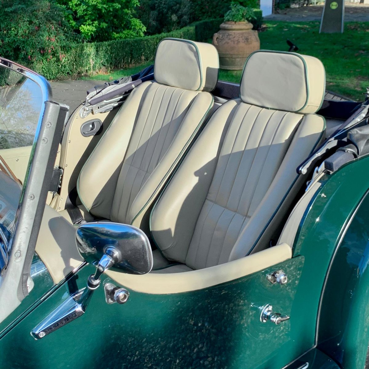 2004 Morgan 4/4 Lowline in Sport Green SOLD (picture 7 of 15)