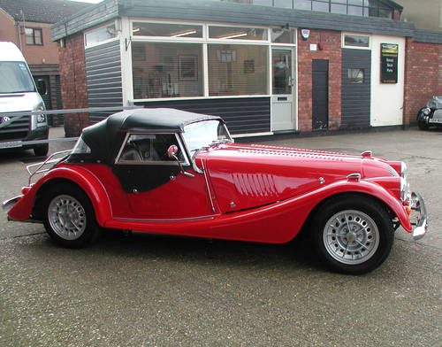 1993 Corsa Red Morgan Plus 8 SOLD (picture 2 of 6)