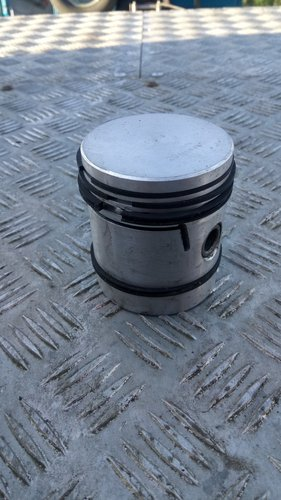 Set of new Morris 12 Pistons +020 SOLD (picture 2 of 3)