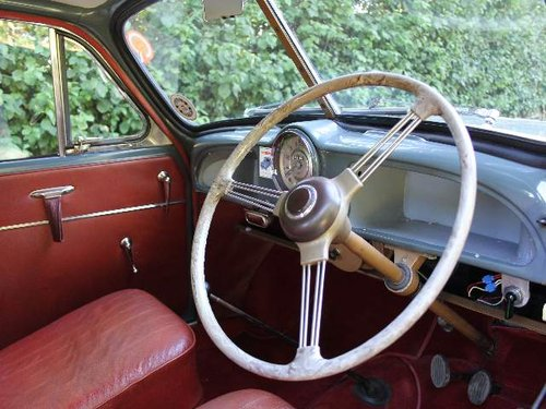 1955 Morris Minor Splitscreen - 1 owner and 3k miles in 40 years SOLD (picture 4 of 6)