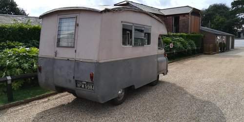 1963 Morris J2 Motorcaravan - Starts and Moves - 1500cc -  SOLD (picture 2 of 6)