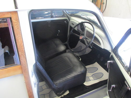 1969 Morris Minor 1000 Traveller (Fully Restored) SOLD (picture 4 of 6)