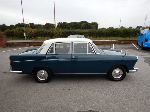 1966 MORRIS OXFORD Series Vl Farina Saloon  SOLD (picture 3 of 6)