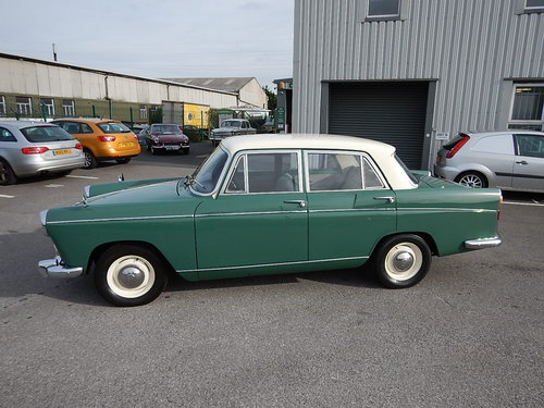1962 MORRIS OXFORD Series Vl Farina Saloon ~  SOLD (picture 1 of 6)