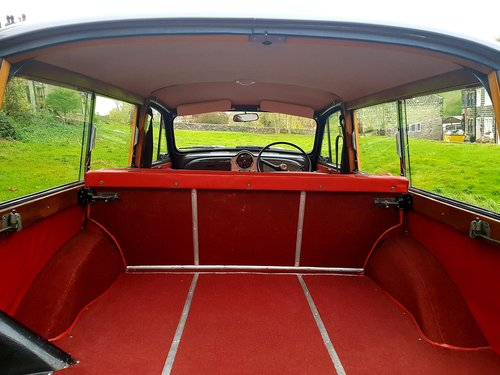 1966 Excellent (new) wood, new interior and paint, A1 order For Sale (picture 4 of 6)