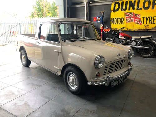 1965 Morris Mini Pick-up SOLD (picture 1 of 6)