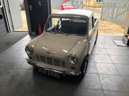1965 Morris Mini Pick-up SOLD (picture 3 of 6)