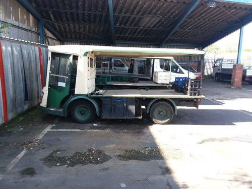 1971 CLASSIC ELECTRIC MILK FLOAT RESTORED TO YOUR SPEC For Sale (picture 1 of 6)