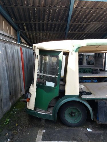 1971 CLASSIC ELECTRIC MILK FLOAT RESTORED TO YOUR SPEC For Sale (picture 2 of 6)