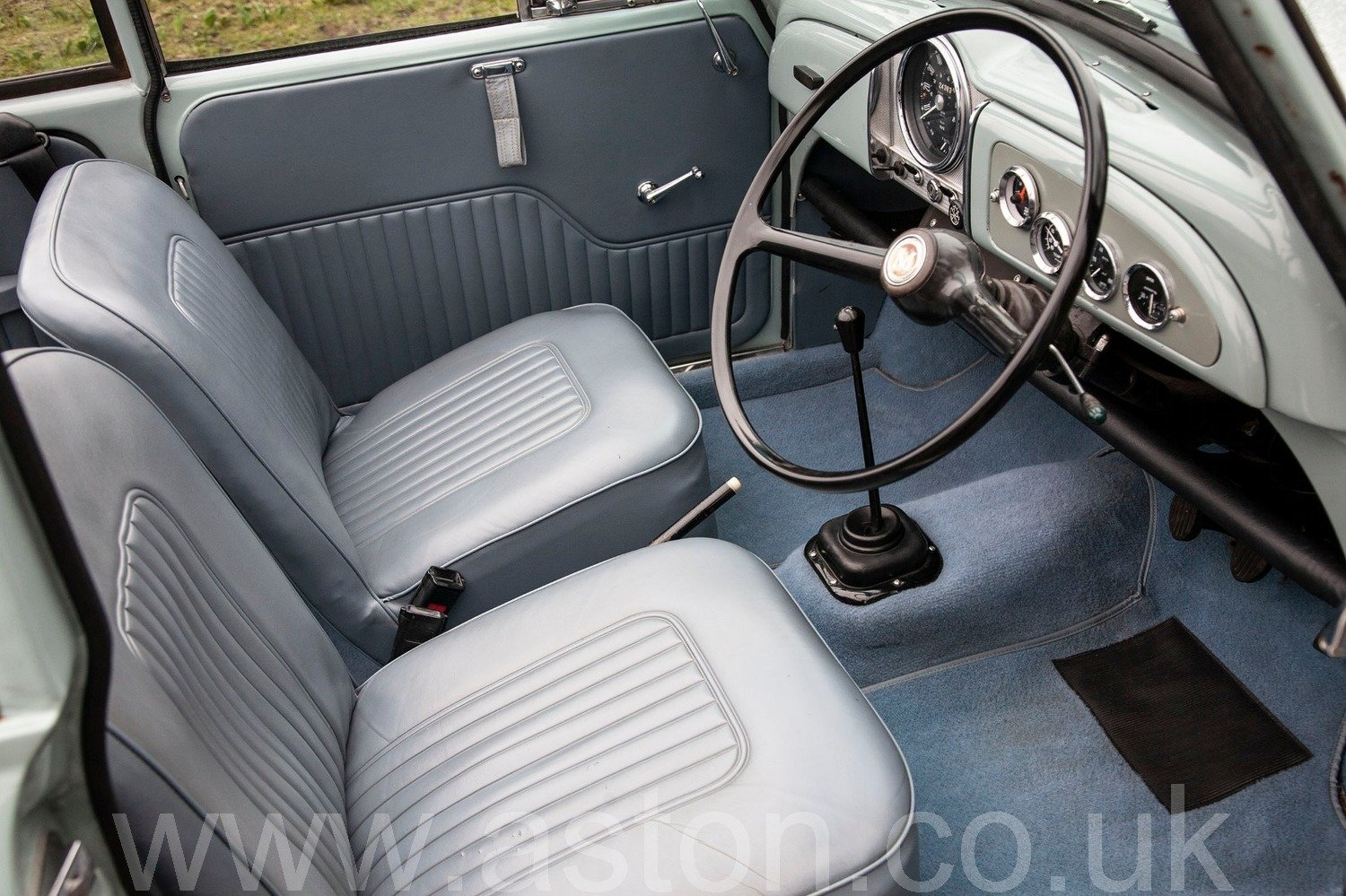 1969 Morris Minor 1000 Convertible For Sale (picture 3 of 6)