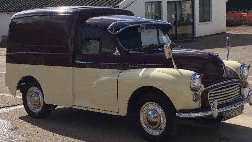 Beautiful 1970 Morris Minor Van For Sale (picture 2 of 6)