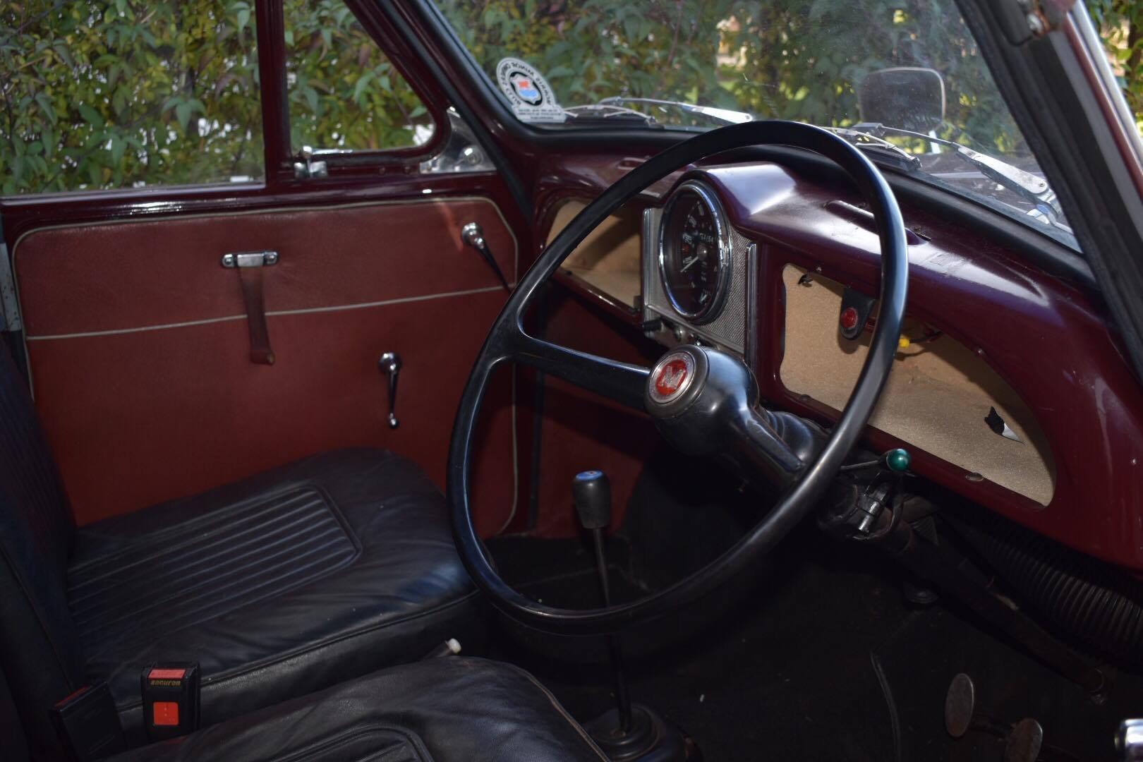 Beautiful 1970 Morris Minor Van For Sale (picture 5 of 6)