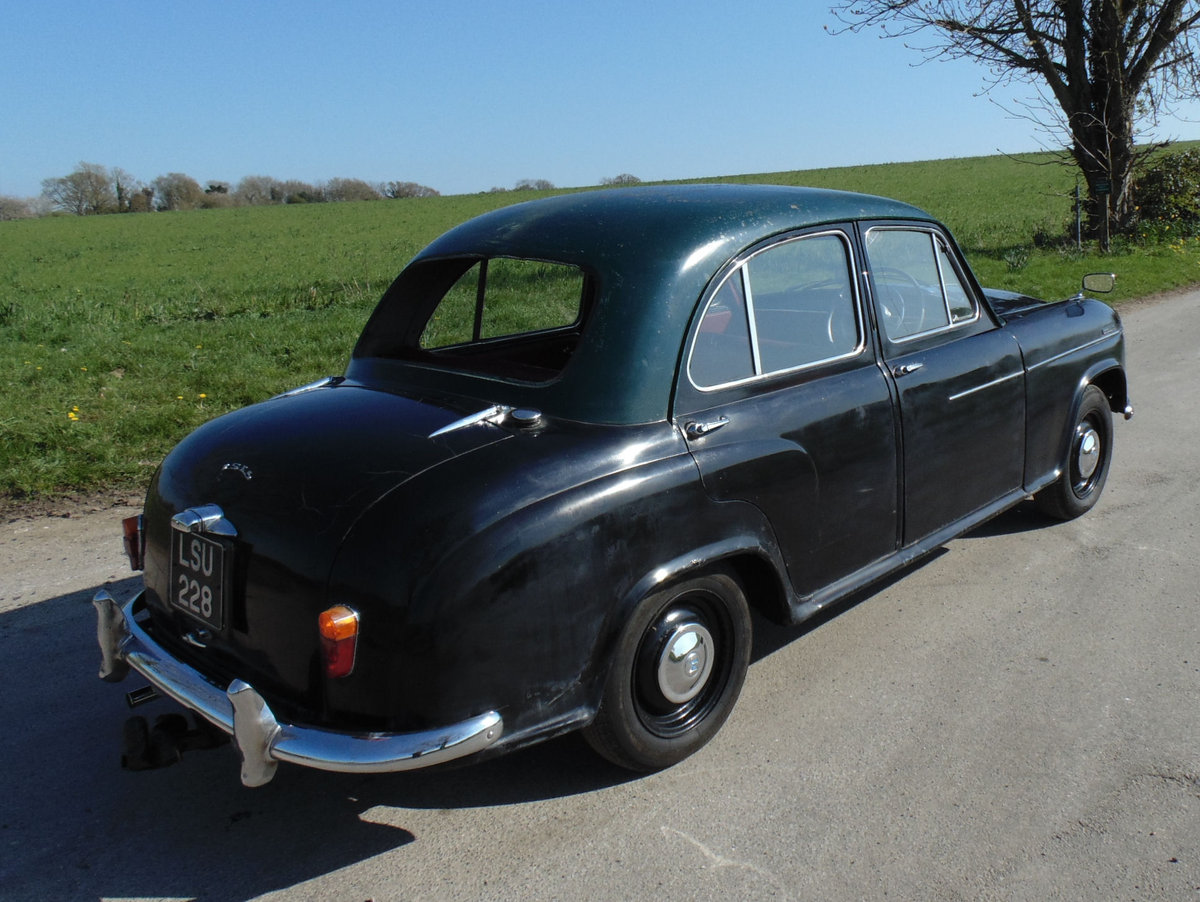 1955 Morris Isis (project) SOLD (picture 3 of 6)